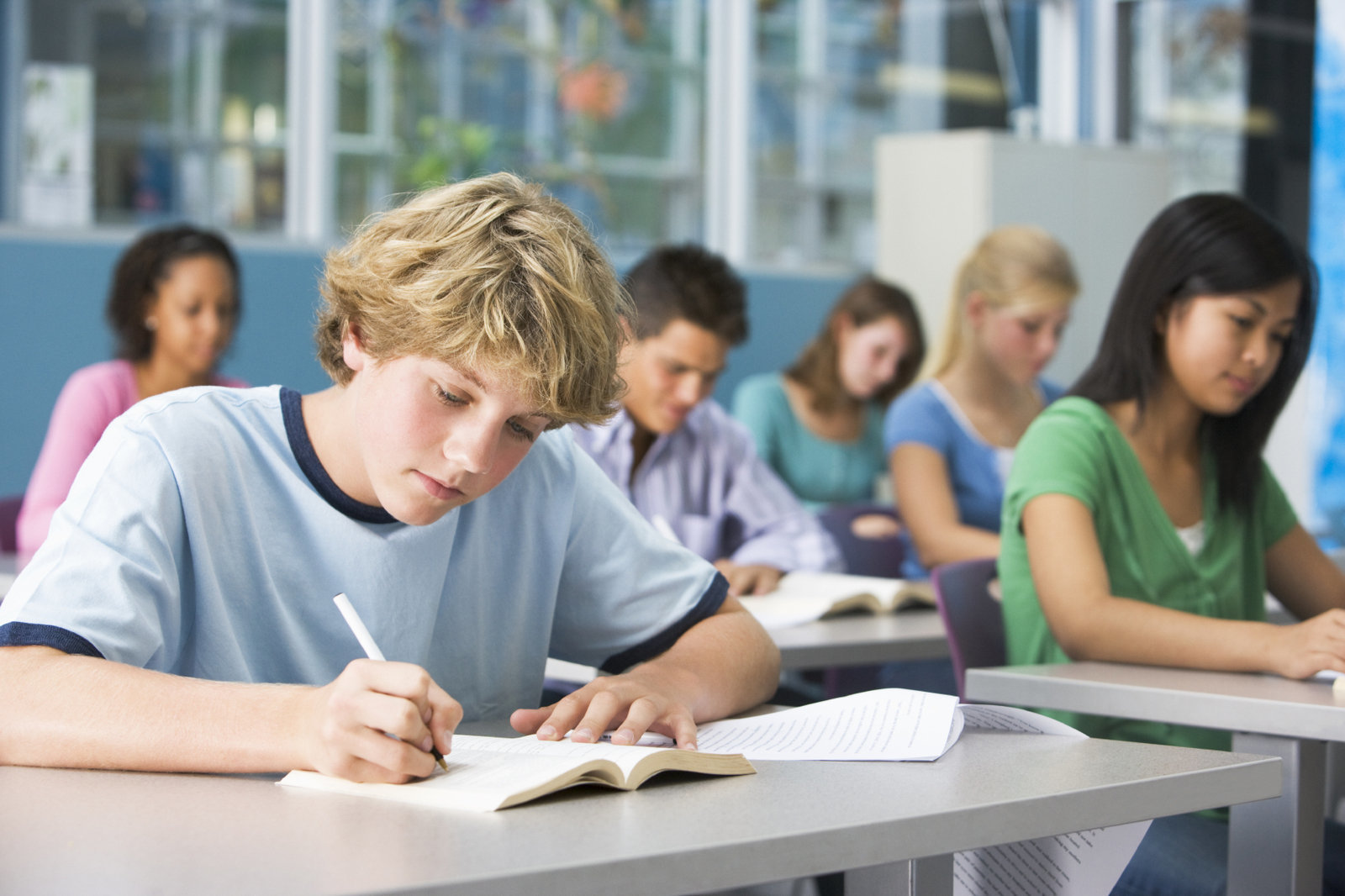 high school and college assessment examination Schools are increasingly making students sit for one last exam before high school juniors and seniors will file into school cafeterias to in all, only about a third of colleges and universities make assessment results public,.